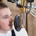 Wie kann man eigene Stimme selbst passend beeinflussen?