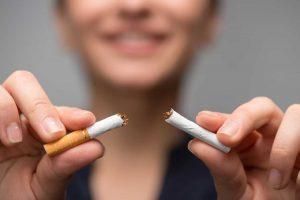 Raucherentwöhnung: Machen Nikotinpflaster Sinn?