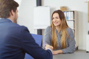 Gewinnen Sie im Bewerbungsgespräch Sympathien
