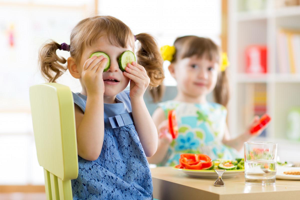 Gesunde Ernährung: So überzeugen Sie Ihre Kinder