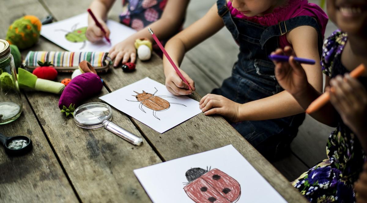 Wie Sie bei Kindern die Kreativität steigern können