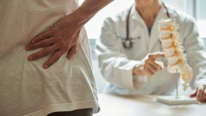 Ein Grund für Rückenschmerzen und was Sie dagegen tun können