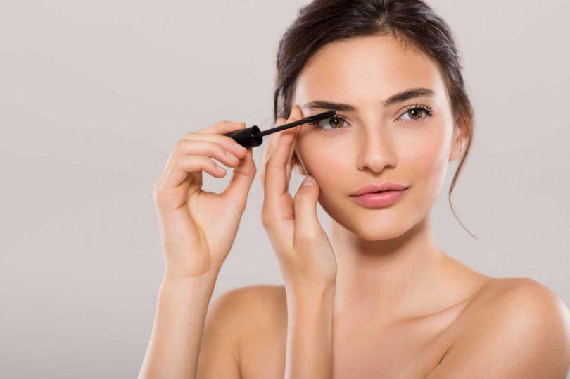 Make Up Fur Brunetten Was Passt Am Besten Zu Ihrem Braunen Haar