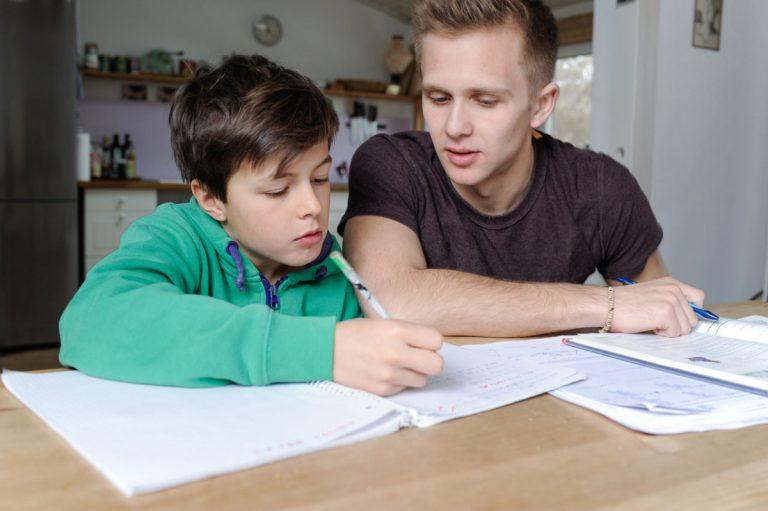 Schlechte Noten: Wann braucht mein Kind Nachhilfe?