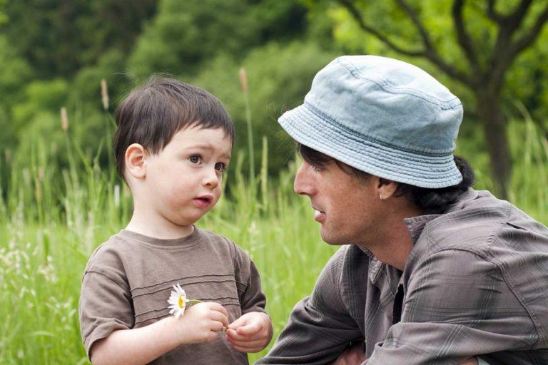 Wie Sie die Sprachförderung bei Kleinkindern in den Alltag integrieren