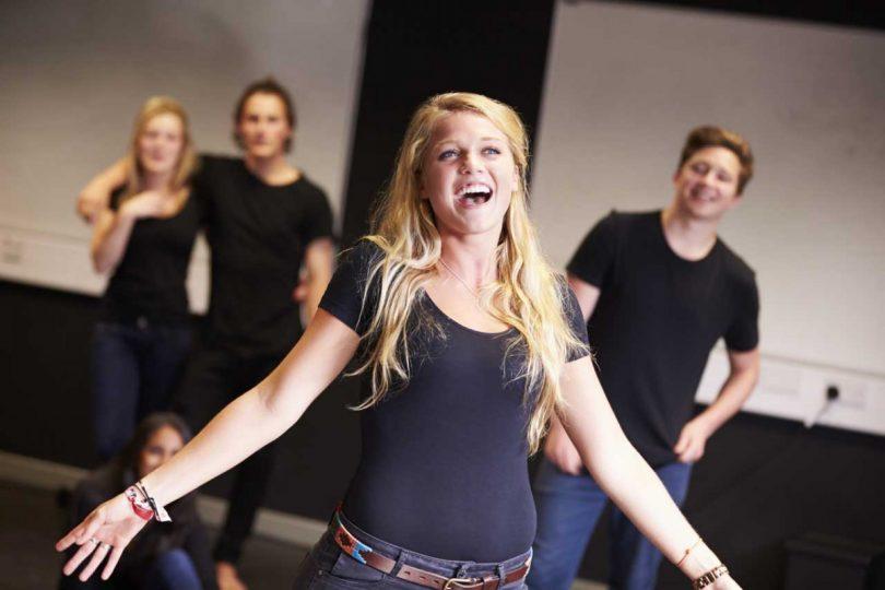 Nehmen Sie Gesangsunterricht, um Selbstbewusstsein auszustrahlen