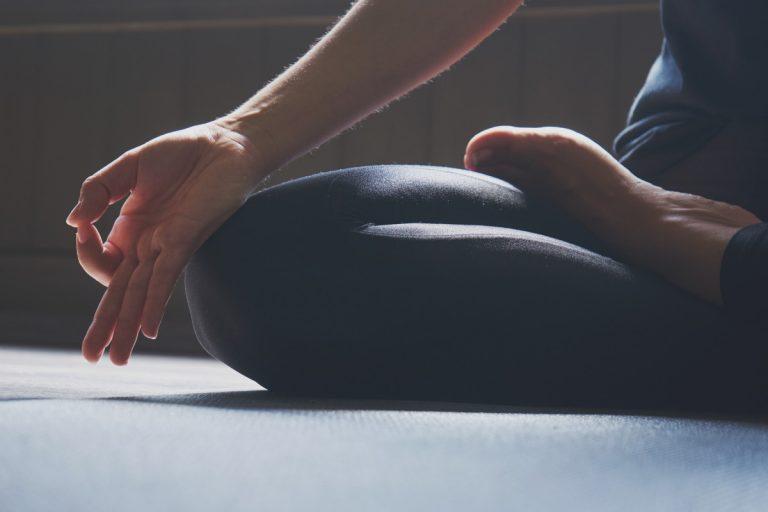 So verbessern sie den Blutkreislauf im Rumpf und Kopf mit Yoga