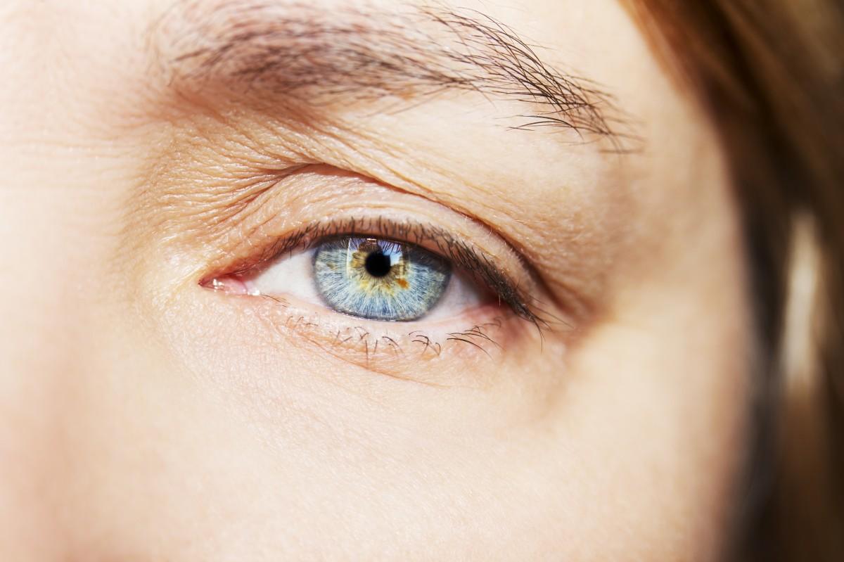 Abend Make-up für Schlupflider: So machen Sie es richtig!