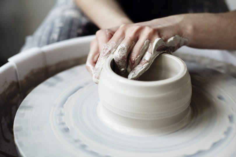 Keramik: Stelen mit Töpferelementen für den Garten selber machen