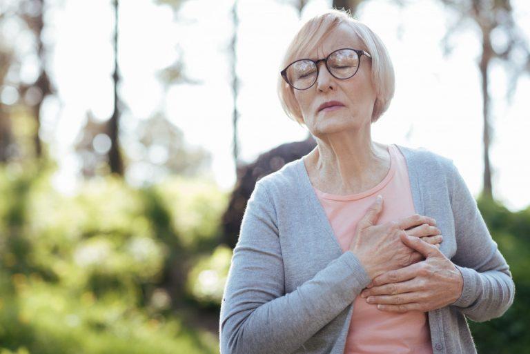 Atemnot – Beachten Sie dieses Warnsignal für Herzschwäche