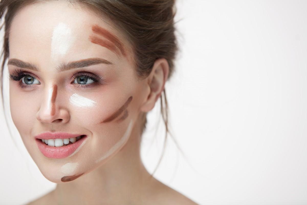 Konturen schminken und Akzente setzen: So machen Sie es richtig