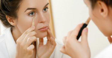 Machen Sie Ihren Blick wacher: Die besten Tipps gegen Augenschatten!