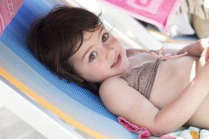 Sonnenallergie beim Kleinkind: Was tun?