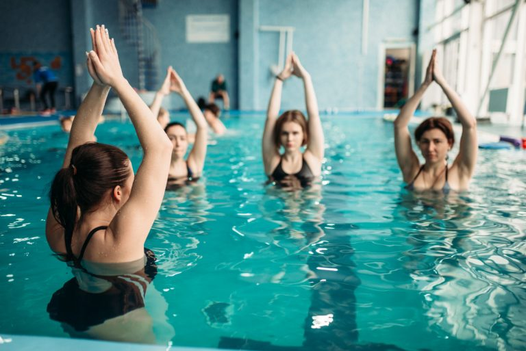 Aquafitness: Mit diesen Übungen halten Sie sich fit