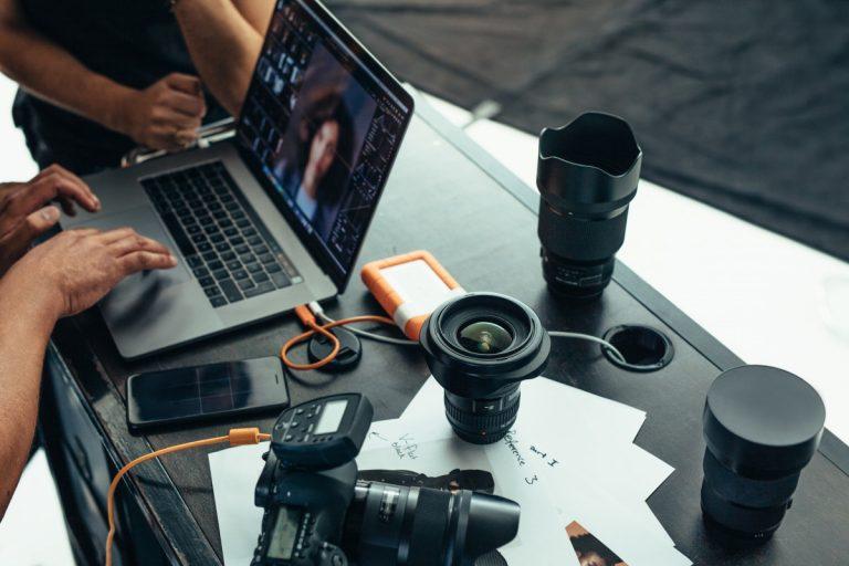 Welche Fotoausrüstung empfiehlt sich für den Einstieg?