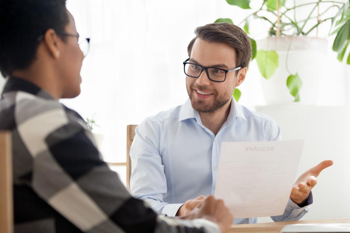 Nutzen Sie den Bezug Ihres Bewerbers zum Unternehmen