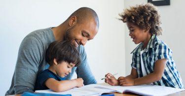 Mit Hausaufgaben-Ritualen zu einer entspannten Familienatmosphäre