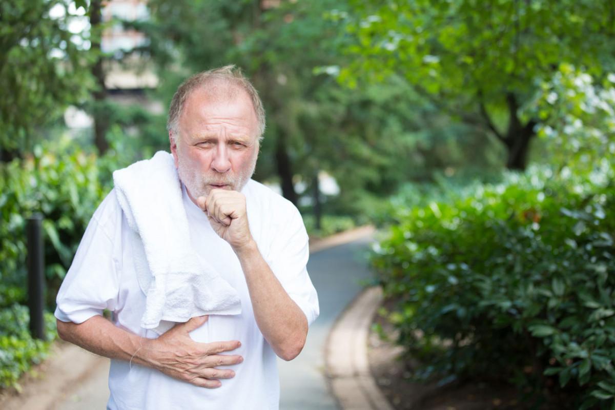 Asthma mit dem homöopathischen Mittel Causticum behandeln