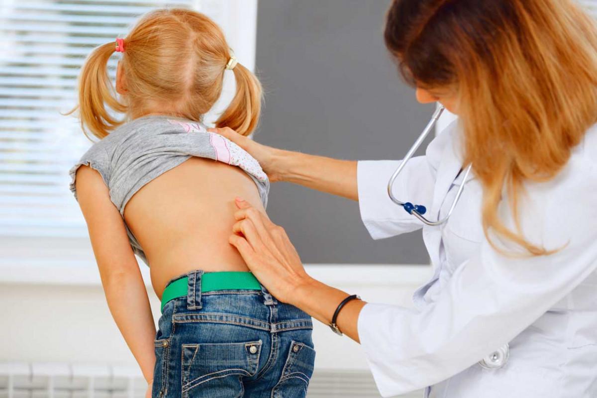 Schützen Sie Ihr Kind vor Rückenschmerzen