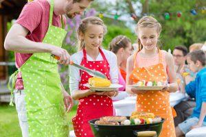 Grillen zum Kindergeburtstag: Rezepte und Spielideen
