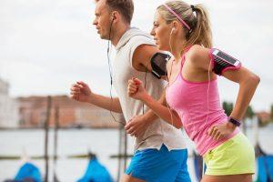 Tipps für das Joggen: Die richtige Armhaltung
