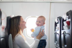 So fliegen Sie sicher mit Ihrem Baby