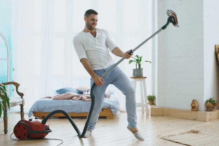 Mehr Spaß bei der Hausarbeit mit Musik und Küchenwecker
