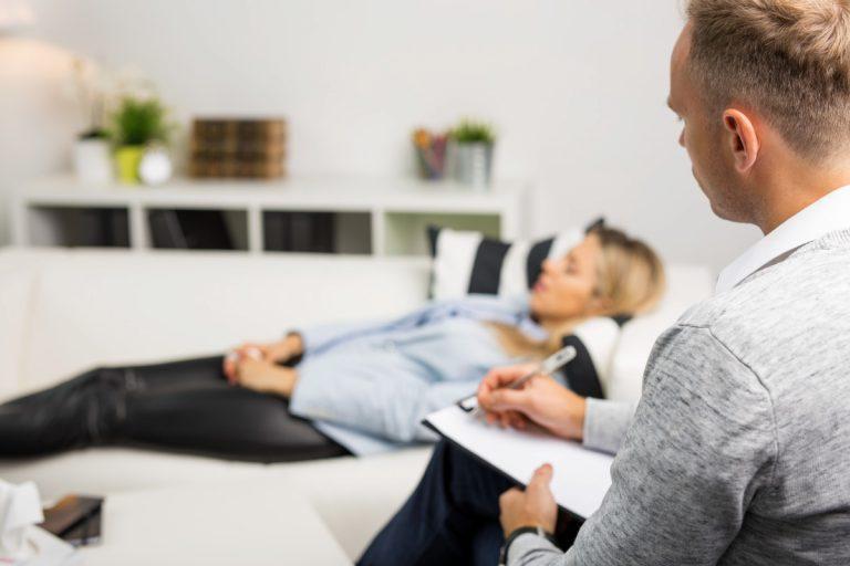Schlafstörungen mit Hypnose behandeln
