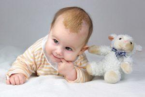 Babys Hautprobleme mit natürlichen Heilmitteln behandeln
