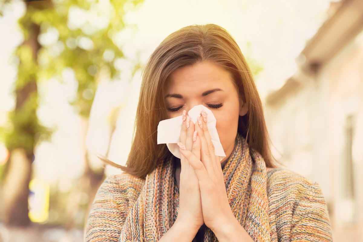 Virusinfekt im Urlaub? Natürlicher Schutz vor Sommergrippe