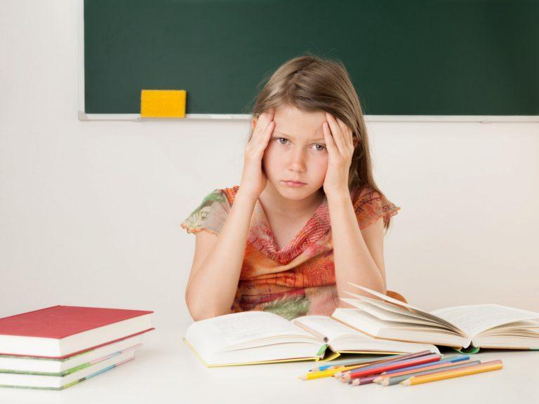Schulstress vermeiden: Gute Noten belohnen – ist das sinnvoll?