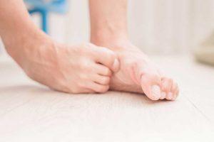 Was hilft gegen Fußpilz? Wie kann ich vorbeugen?