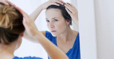 Haarausfall bei Frauen – Erste Hilfe mit natürlichen Mitteln