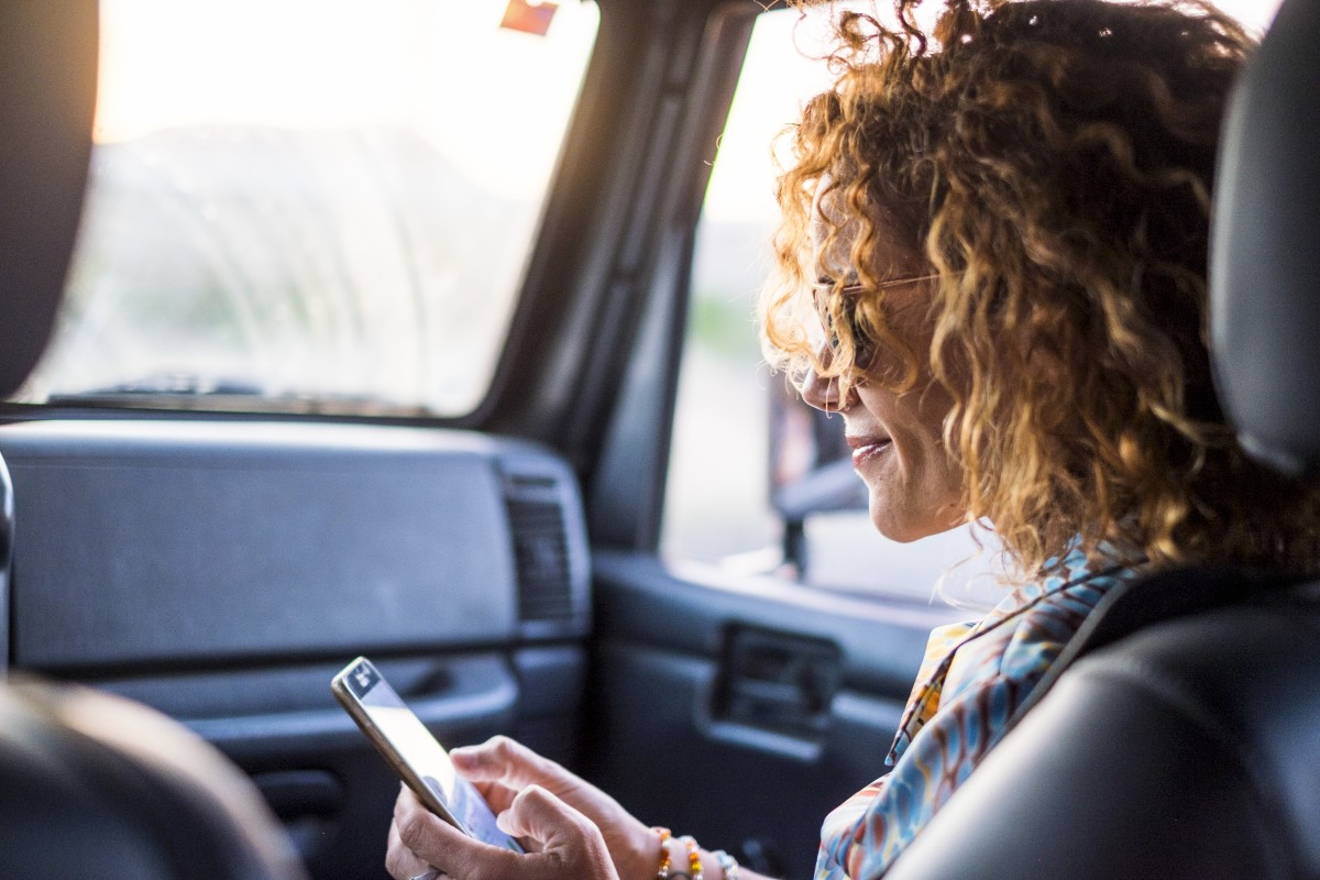 Internet im Auto: ganz einfach mit 3G-WLAN-Router