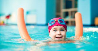 Kinder regelmäßig an Baderegeln erinnern