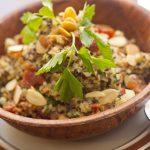 Couscous-Salat mit Zimt-Mandeln