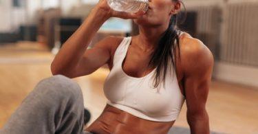 Die größten Irrtümer beim Laufen: Immer viel trinken