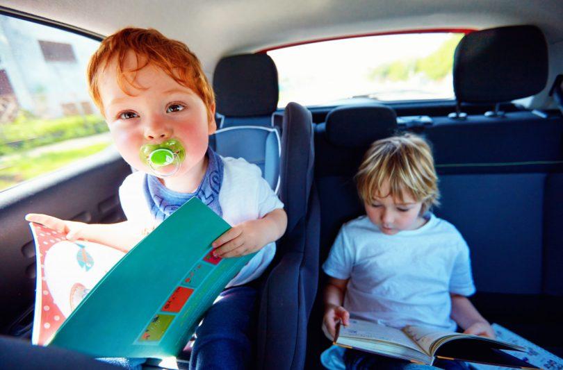 Kinder Im Auto Beschaftigen So Reisen Sie Entspannt Experto De