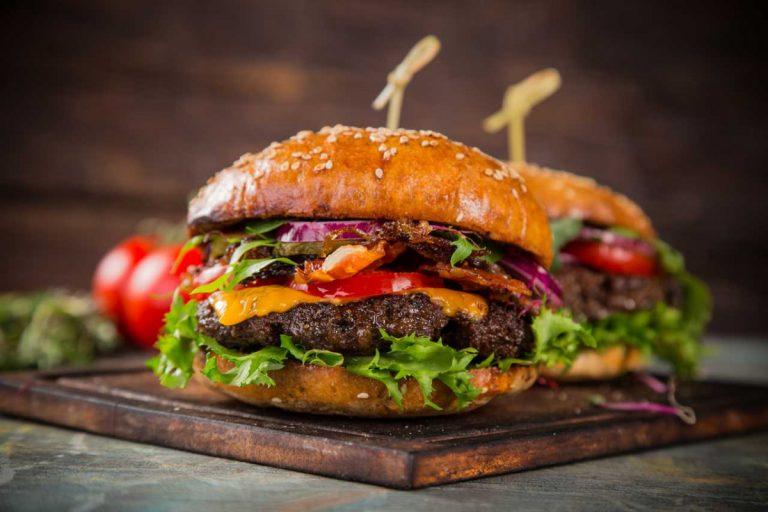 Hamburger-Patties: Zubereitungsempfehlung für die wichtigste Hamburgerzutat