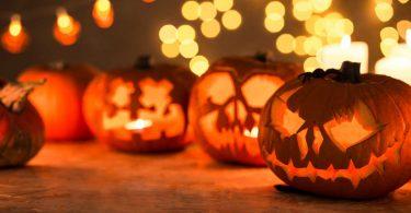 Basteln Sie mit Kürbissen schaurige Halloween Monster