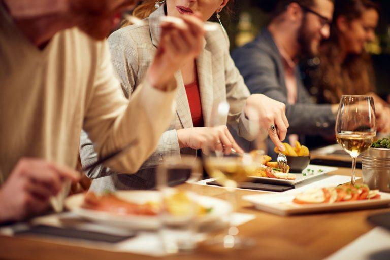 Essen und Trinken neu lernen: Was müssen Sie beachten?