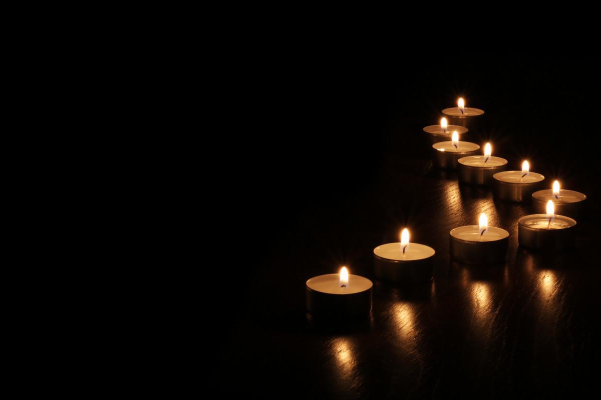 Trauerkarte schreiben: Worte der Anteilnahme im Verein