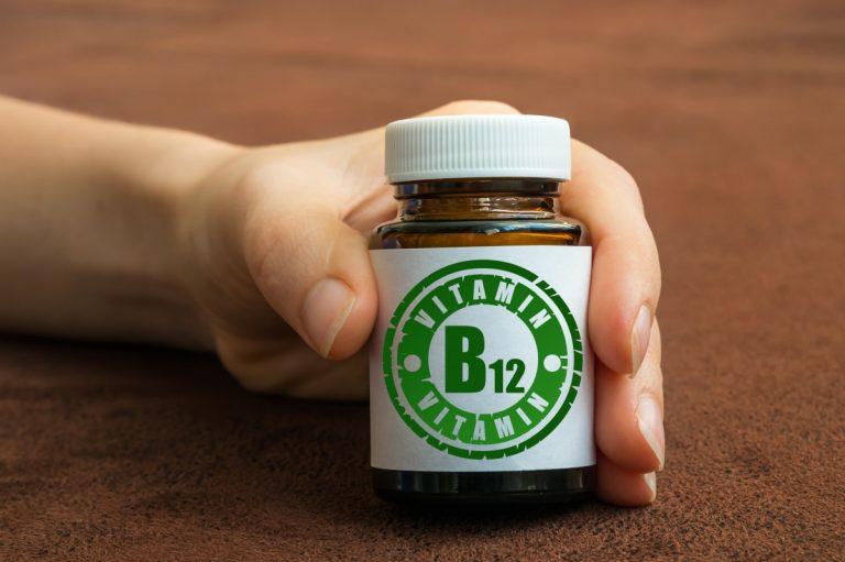 So decken Sie als Veganer Ihren Vitamin B12 Bedarf