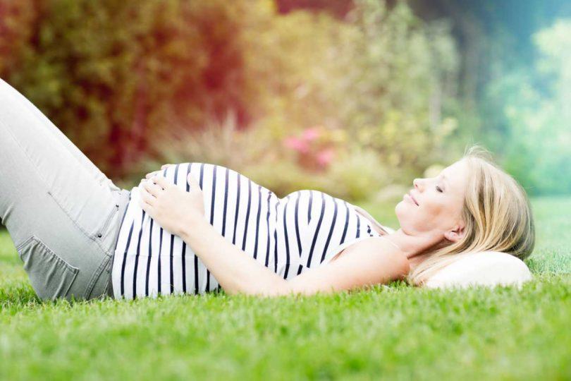 warum ein harter bauch oft w hrend der schwangerschaft. Black Bedroom Furniture Sets. Home Design Ideas