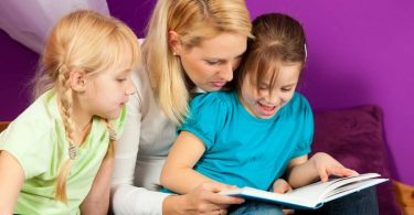 Warum Vorlesen beim Lesen lernen hilft