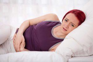 Magenschmerzen: Hilfe durch naturheilkundliche Mittel