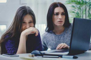 Was können Eltern bei Cybermobbing tun?