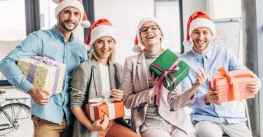 Geschenk bei Weihnachtsfeier nur für teilnehmende Mitarbeiter
