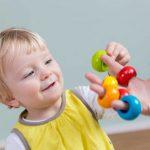 Feinmotorik bei Kindern verbessern: Einfache Übungen für Zuhause