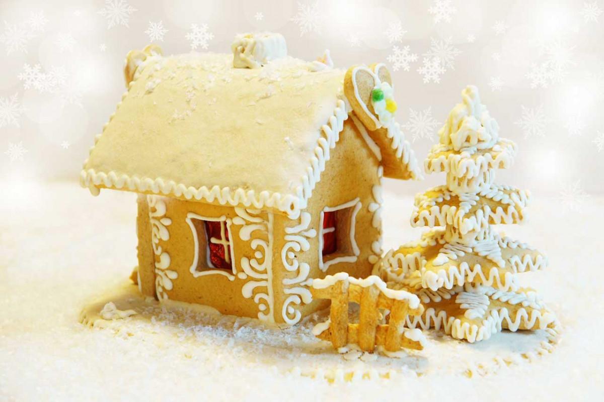 Mit Kindern ein Knusperhaus aus Keksen basteln